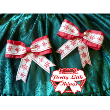 Ruffed red snowflake bow