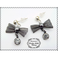 Metal bow Earrings