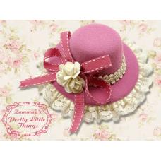 Magenta rose hat